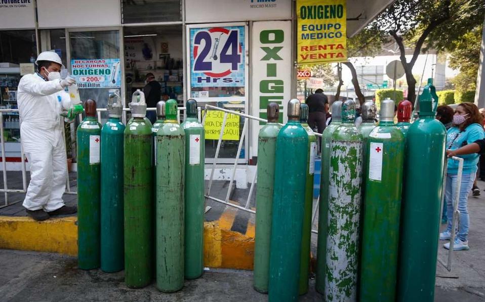 La odisea que viven los venezolanos para conseguir oxígeno en México